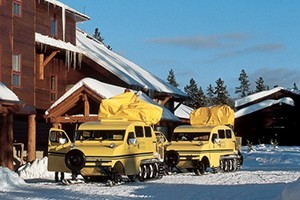 Yellowstone National Park Lodges :: Travel by snowcoach to Yellowstone's remote and spectacular winter gems in search of wildlife, steaming thermal features, grand winter views and the true winter wilderness.