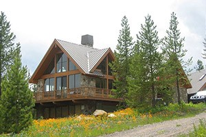 Mountain Home - Ennis area rental homes & cabins :: Offering multiple homes on and around the Madison River in Ennis. From homes on the river with spring creeks, to mountaintop retreats & secluded hideaways.