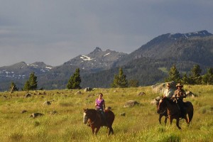 Flying Pig Horseback - have more fun in Gardiner :: Whether you have 2-hours to spare, a half-day, or want the adventure of an overnight campout and chuckwagon dinner, we offer adventures inside and outside Yellowstone Park.