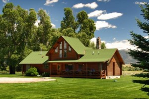 Authentic Cabins and Family Log Lodges in Ennis MT : El Western captures Old West spirit with rustic luxury in a spectacular setting. Convenient to the Madison River, Ennis, Virginia City & 70 miles to Yellowstone.