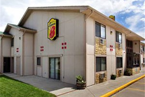 Super 8 - Livingston, on the way to Yellowstone :: Just off I-90, enjoy clean rooms, free WiFi, SuperStart breakfast and parking for big vehicles. Kids 17 & under stay free. Nearby are McDonalds, Albertsons, fly shops & more.