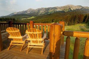 Bridger Vista Lodge - overlooking the Bridgers