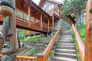 Garibaldi Lodge - Luxury Cabin at Bridger Bowl
