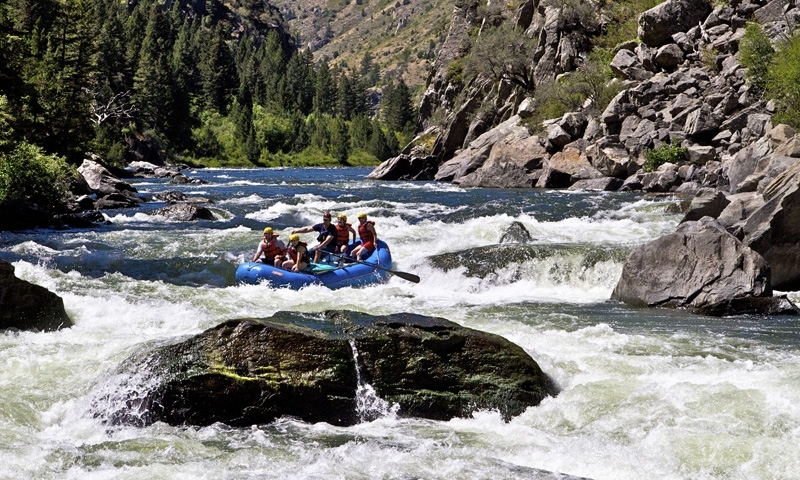 Rafting the Beartrap Canyon of the Madison River