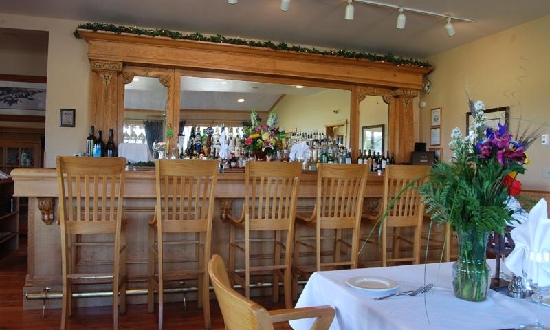 Bar at Gallatin River Lodge in Bozeman